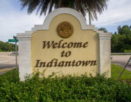 Welcome to Indiantown sign